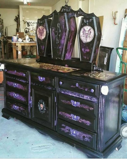 6 Gorgeous Gothic Furniture Set For Your Living Room - decoratoo
