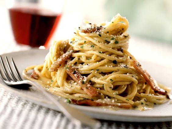 Spaghetti Carbonara - smarter - Zeit: 25 Min. | eatsmarter.de