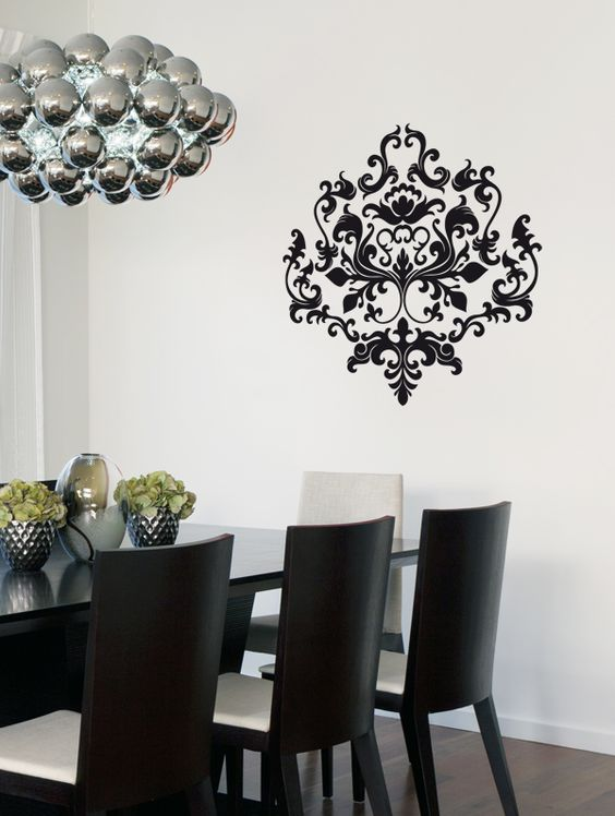 Une splendide rosace donnant un effet baroque à votre pièce.