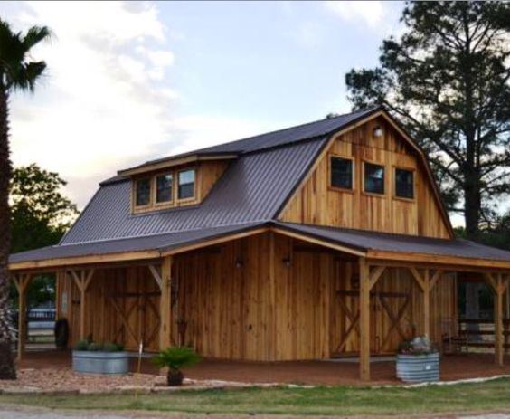 Gambrel roof barn house barn house pinterest gambrel for Gambrel barn homes kits