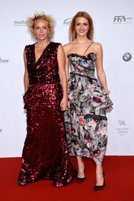 Pin for Later: Seht alle Stars beim Deutschen Filmpreis Katja und Paula Riemann