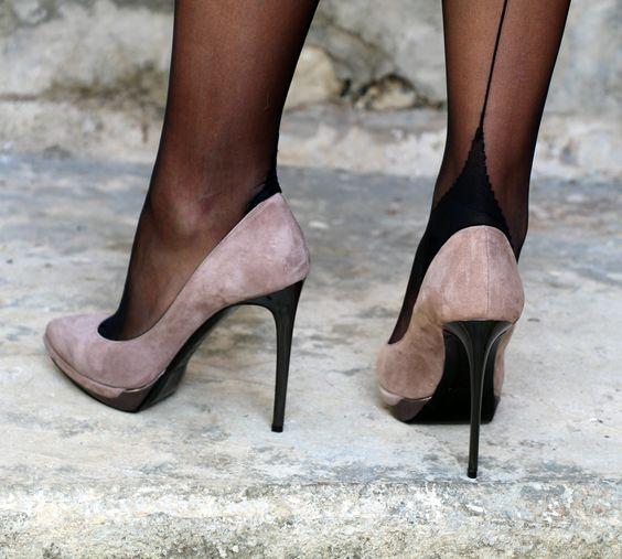 Wonderful Nylons in sexy Heels