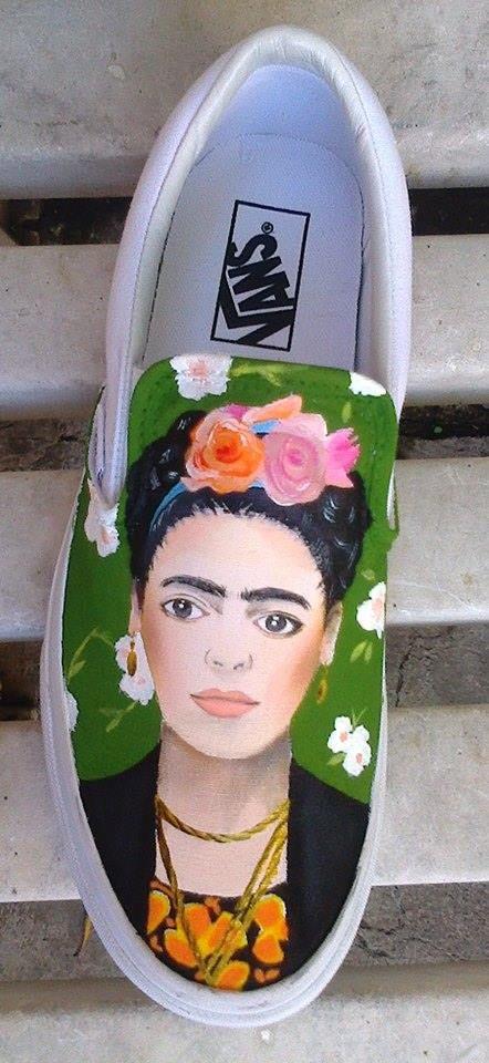 Frida Kahlo Tenis pintados a mano )