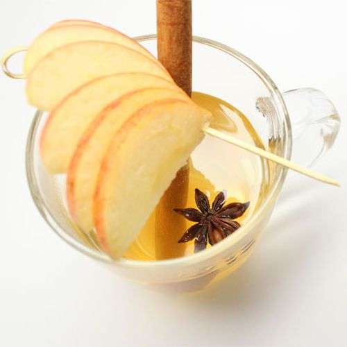 figure-friendly holiday cocktail like this sparkling apple hot toddy ...