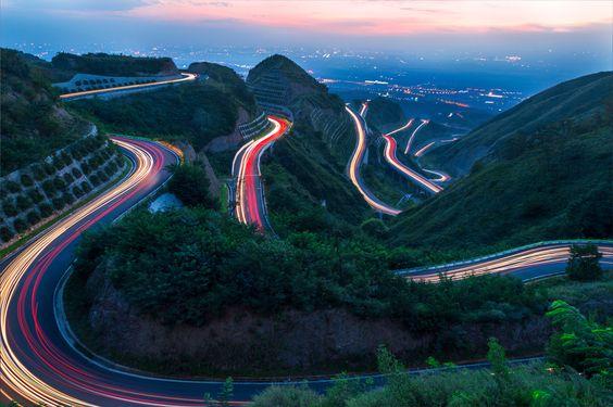 The beautiful car rail | Fantasy Road Trip | Road Trip | road | roads | road photo | on the road | drive | travel | wanderlust | landscape photography | Schomp MINI