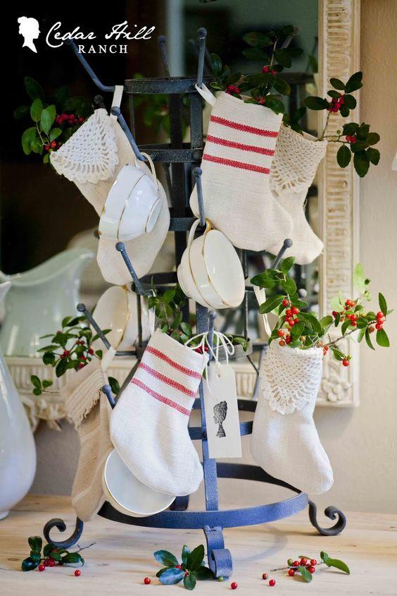 stockings+minis.jpg 1 067×1 600 pixels