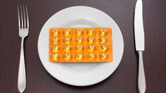 """Diät-Pillen und –Pulver sind zum Abnehmen """"wenig geeignet"""", urteilt Stiftung Warentest. Was hilft Euch beim Abspecken?"""