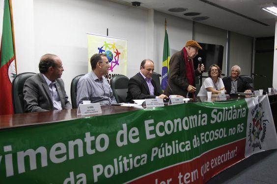 Paul Singer participou da atividade de encerramento dos trabalhos da Subcomissão de Economia Solidária, presidida pelo deputado estadual Zé Nunes (PT). (Foto: Raquel Wunsch)