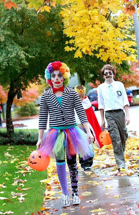 14 best images about clown on Pinterest Satin, A clown and Gingham - 4 man halloween costume ideas