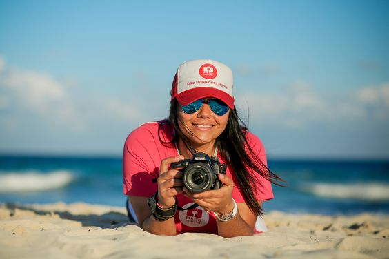 Take Happiness Home | Sign up for a Family Photo Session during your holidays in Riviera Maya, México | e-mail us! info@photoventura.net | Photoventura