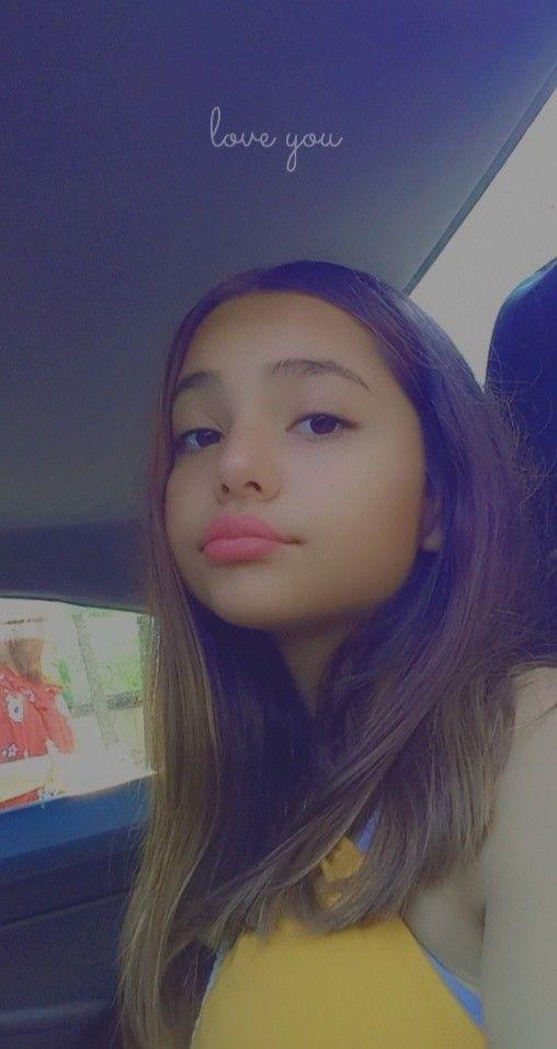 Niedliche kleine Latina Teen