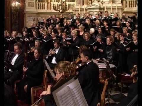 W. A. Mozart: Requiem - Sanctus No 10 - YouTube