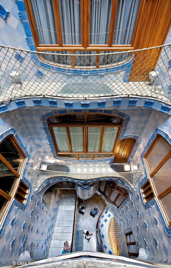 Galer a oficiales casa batll museo modernista de - Casa modernista barcelona ...
