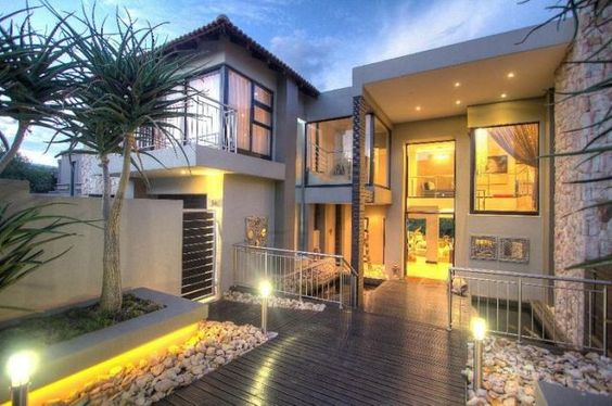 We showcase some of the most extraordinary destinations from around the world like this contemporary villa. If you like this contemporary villa, pin it, like it, and comment! Visit us on Facebook at https://www.facebook.com/luxuryvacationvillas?ref=contemporary_villa
