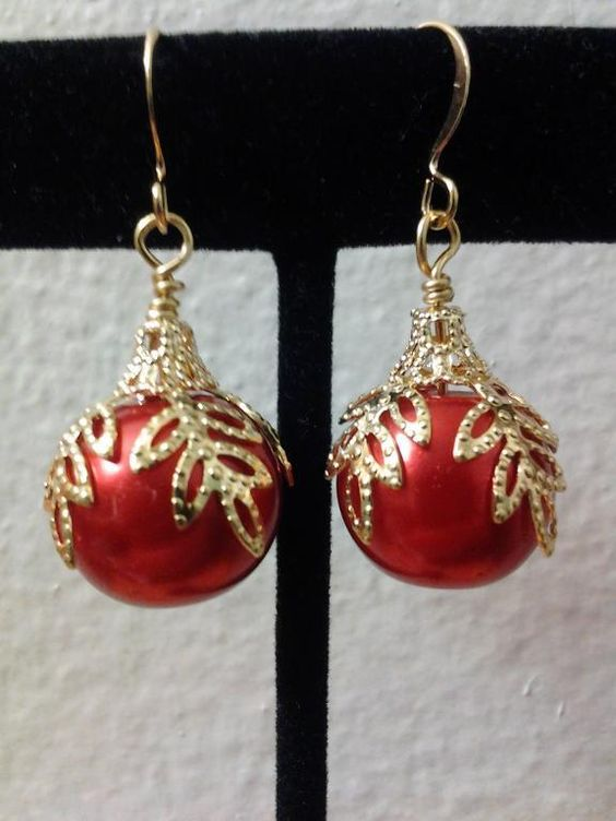 You have to see Christmas ornament earrings on Craftsy! - Looking for jewelry project inspiration? Check out Christmas ornament earrings by member HoneynSacrameno. - via @Craftsy