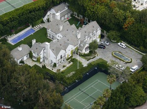 Victoria Beckham house-hunting in LA - she wants £40m pad on Billionaire's Beach