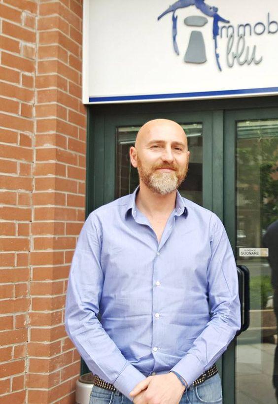 Francois, il nostro addetto alle vendite, vi aspetta per offrirvi la sua consulenza! Per informazioni chiamate lo 059-697177  www.immobiliareblu.it #carpi #appartamento #immobiliareblu
