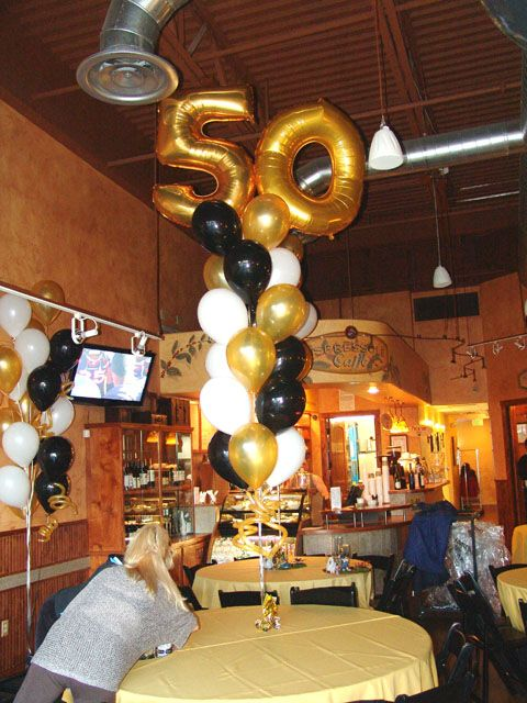 Balloon bouquet 50th birthday party and 50th birthday on for Decoration 50 s