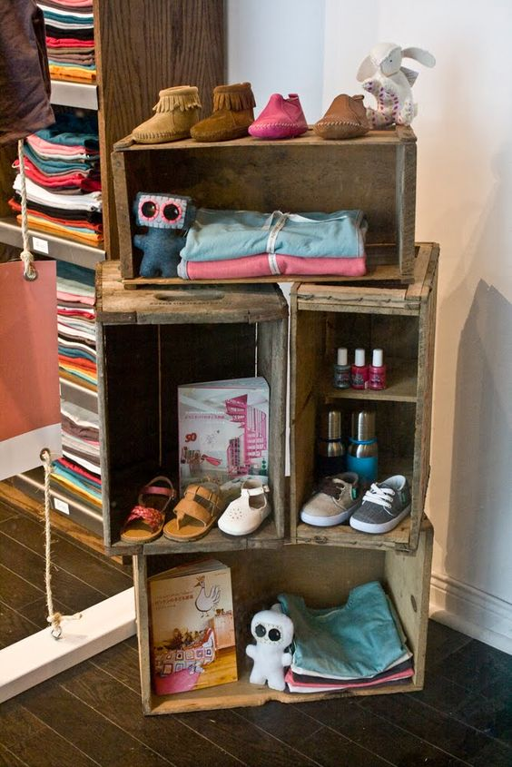Such a cute and simple organizing idea for my apartment! Vintage crates made into shelves! LOVE IT!!!!!