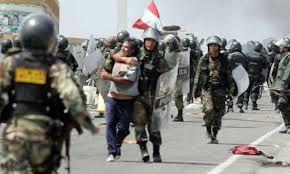 POLICÍA NACIONAL DEL PERÚ -  Evitar más enfrentamientos violentos con la comunidad de Valle de Tambo en Arequipa.