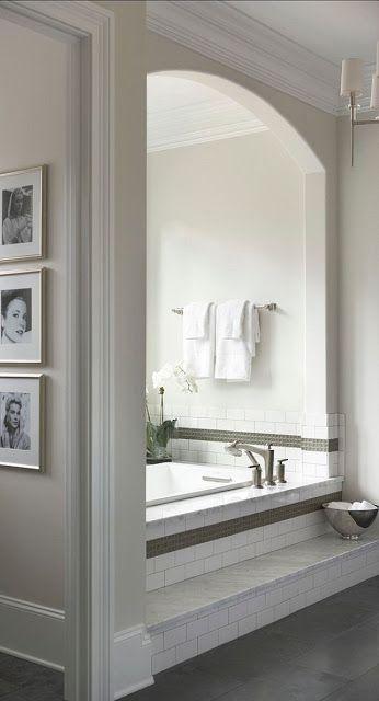 Bogen um die Badewanne -optische Trennung - und Treppe als Einstieg <3