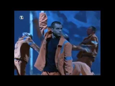 ОВО ВИШЕ НИЈЕ НИ СМЕШНО! Радници плесали за Вучића (видео)  На 15. конгресу Савеза самосталног синдиката Србије радници су одржали перформанс за Александра Вучића и вође синдиката. Наиме, плесачи обучену у радничке униформе, уместо да су били на радним местима, пл�