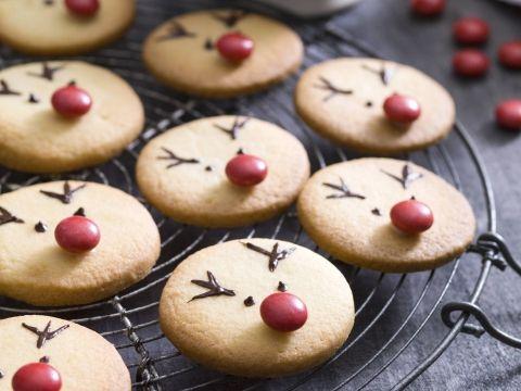 Avec ces 5 recettes de biscuits de Noël, les enfants et les gourmands seront ravis.