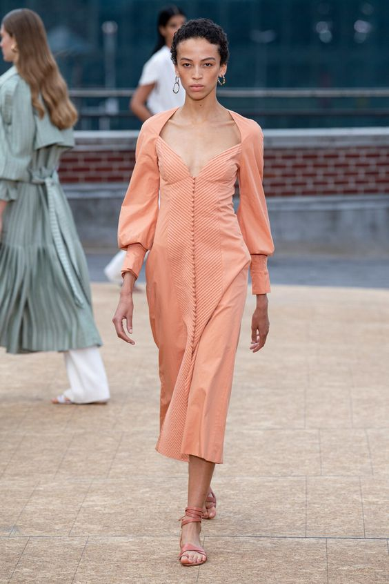 Jonathan Simkhai Spring 2020 Ready-to-Wear collection, runway looks, beauty, models, and reviews.
