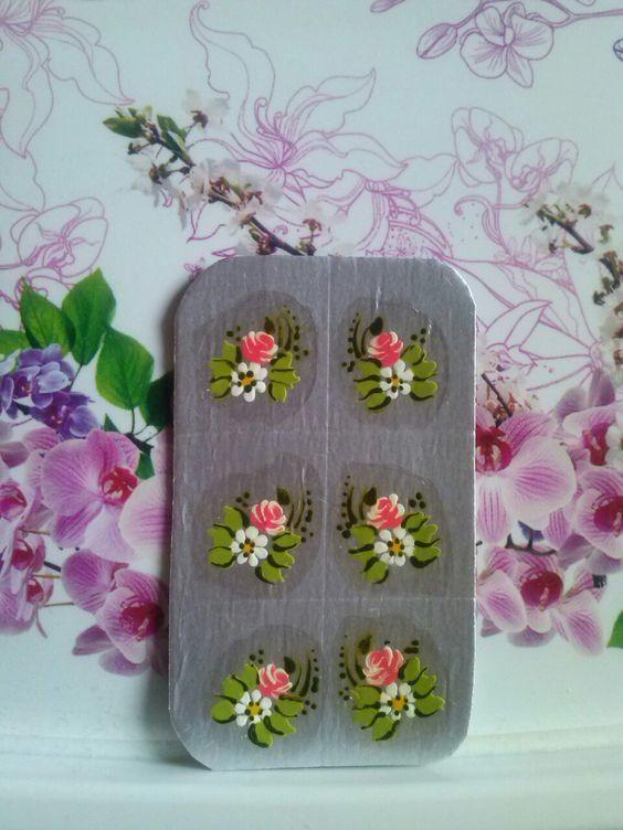Adesivos para unhas totalmente artesanais.....cartelas com seis desenhos R$2.00...interessadas chamar in box