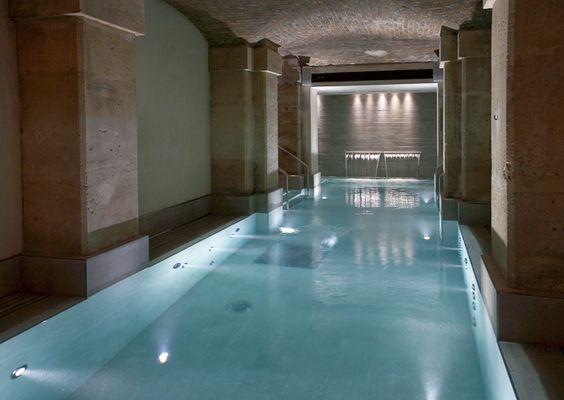 Le Klay Club un centre de remise en forme unique au coeur de #Paris avec piscine, hammam, sauna, cabines de massage... pour yoga cycling boxe fitness...