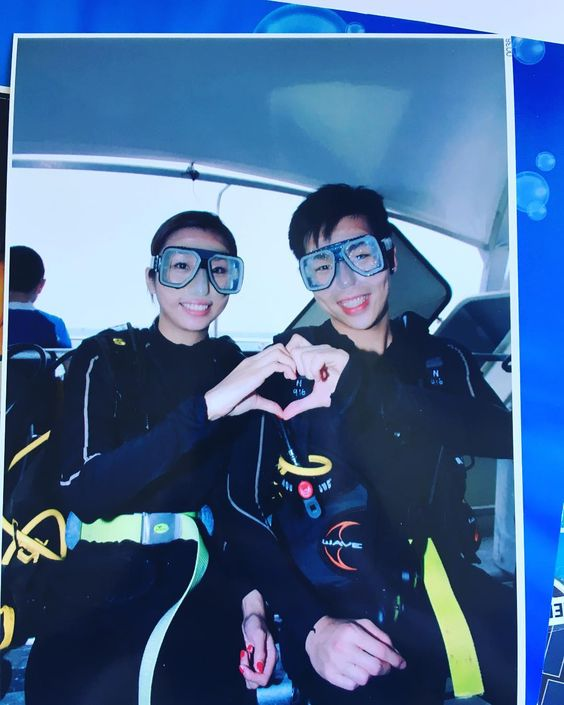 史上最娘甫士仿如置身迪迪尼樂園唯一一張著full gear 合照 LOL #The one and only pic  I took with jeff with full gear on. #scubadiving #dive #happy #couple #cairns #greatbarrierreef by arieloriel116 http://ift.tt/1UokkV2