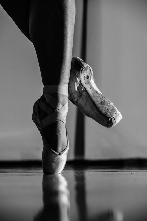 Ballet positions en pointe