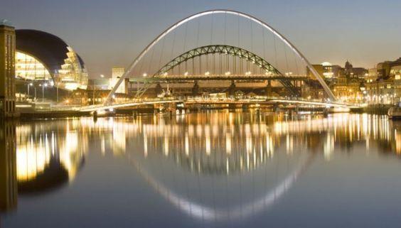Google Image Result for http://goc2012.culture.gov.uk/files/2012/06/bridgenight700x400-640x365.jpg