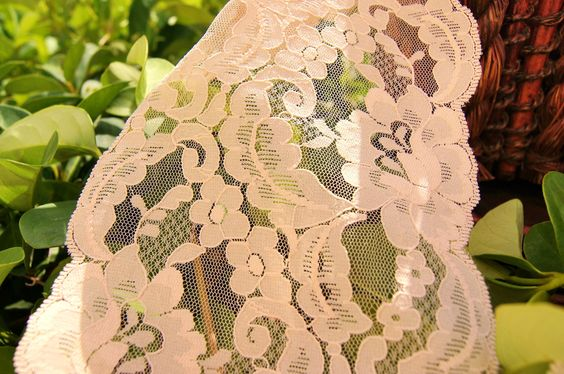 """Lovely Light Peach Soft Floral Galloon Lace 5⅛"""" wide 