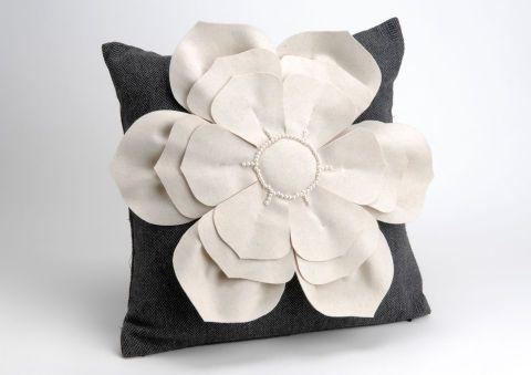 Cojín + relleno fieltro flor Amadeus.  40*40 cm