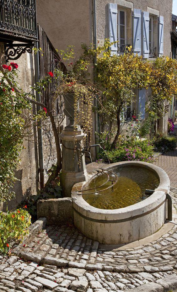 Le village de Lods dans le Doubs, Franche-Comté, France: