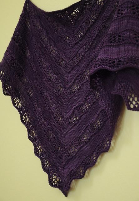 Shaelyn by Leila Raabe. malabrigo Sock, Violeta Africana color.