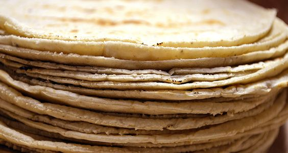"""Tortillas de maiz blanco (México) 02"" by ProtoplasmaKid - Own work. Licensed under CC BY-SA 3.0 via Wikimedia Commons - http://commons.wikimedia.org/wiki/File:Tortillas_de_maiz_blanco_(M%C3%A9xico)_02.jpg#/media/File:Tortillas_de_maiz_blanco_(M%C3%A9xico)_02.jpg"