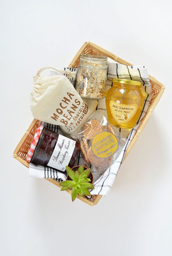 A lovely breakfast gift basket - love the addition of a wee plant!: