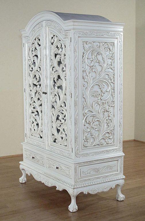Weisser Geschnitzter Schrank Franzosischer Stil Franzosis Living Loving Antik Doseme Mobilyalar Antik Tasarim Yatak Odalari Dekor