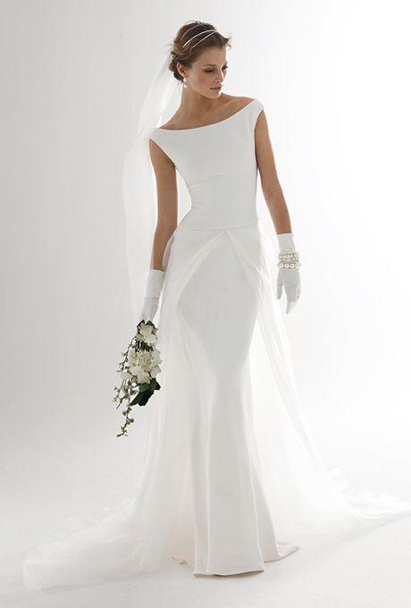 Le Spose Di Gi�. Bateau neckline, mermaid skirt, with organza over skirt.