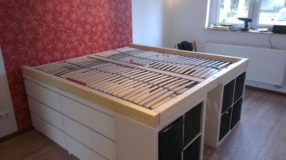 lit sur lev avec commodes malm et tag res kallax expedit ikea hack inspiration pour. Black Bedroom Furniture Sets. Home Design Ideas