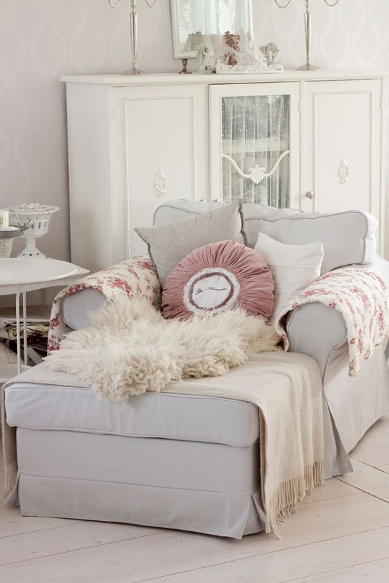 Comfy Chaise, My Bachelorette country house: