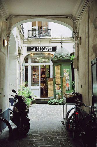 La Galcante, librairie spécialisée en presse ancienne | Paris:
