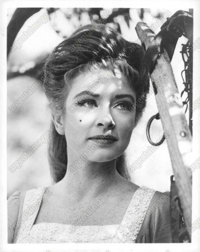 1961 Amanda Blake Actr...