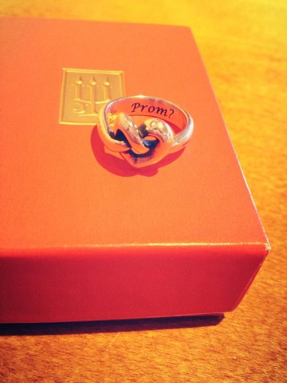 How I was asked to prom! | Prom | Pinterest | So cute ...
