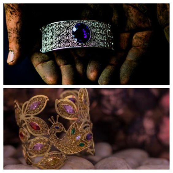 En el estado de #Oaxaca, es tradición que la mujer porte #accesorios de #filigrana a eventos importantes para embellecerla, otorgándole un significado de elegancia y prestigio, pero la #joyería de #PatriciaBenfield se puede combinar con cualquier tipo de look, debido a que son pensadas en usarse no solamente en eventos exclusivos, sino en el día a día de las mujeres mexicanas y extranjeras. www.patriciabenfield.com #jewelry #accesories