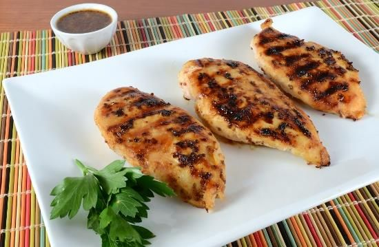 Peito de frango com mostarda e mel