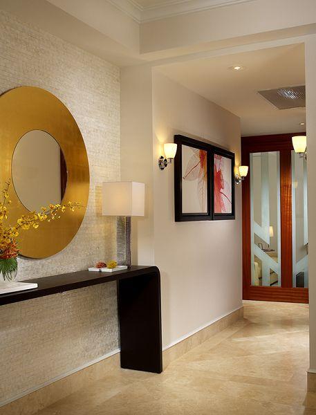 Pasadizos y pasillos de entradas de casas modernas for Buscar casas modernas