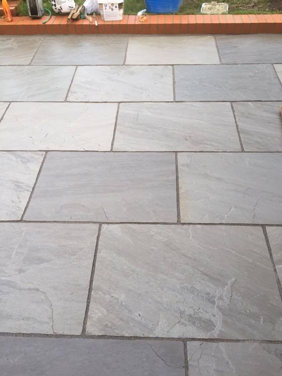 Silver grey indian sandstone paving slabs 900x600 large for Paving stone garden designs